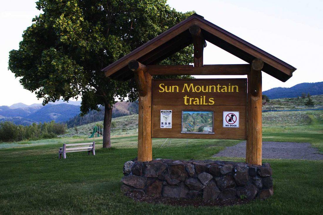 sun mountain trails sign