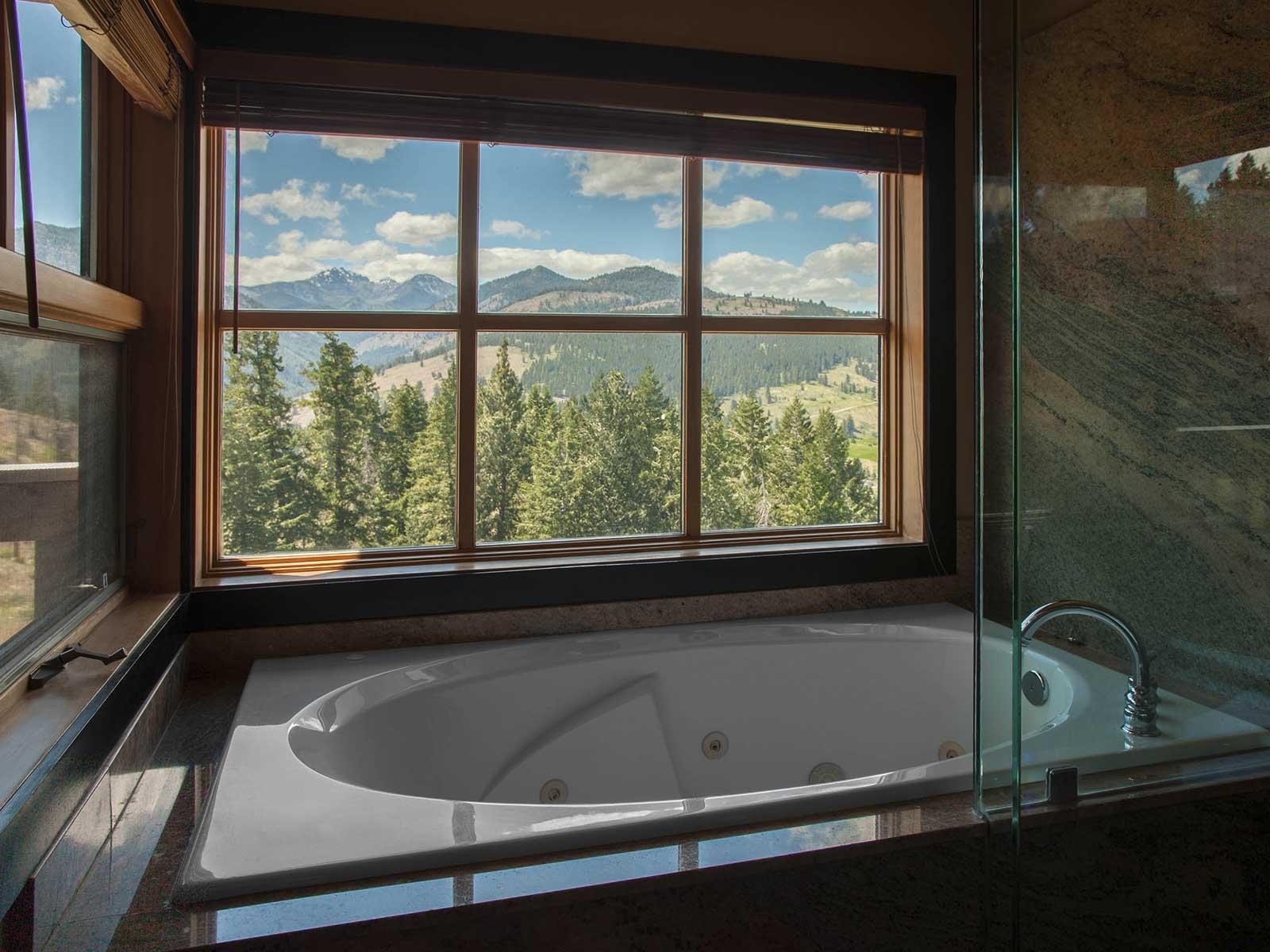 Mt Robinson bathroom