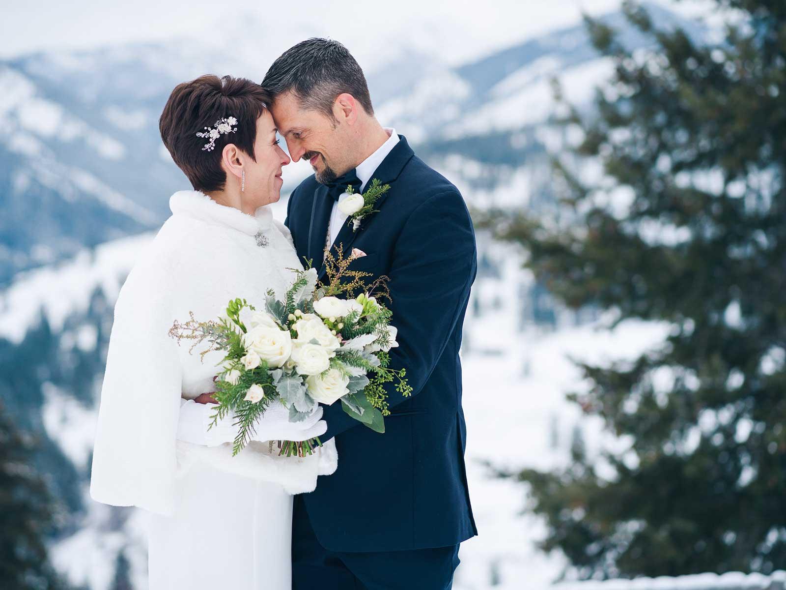 mari jason wedding bluff snow